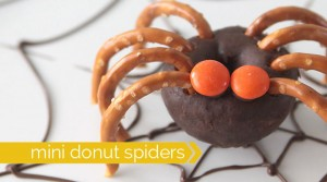 donut-pretzel-spiders-halloween-easy-treat-kids1